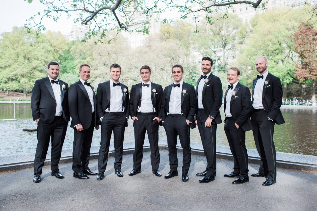 groom-and-groomsmen